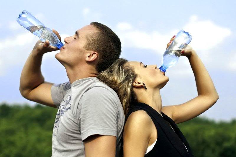 Эксперт рассказал о правильном питье воды по утрам
