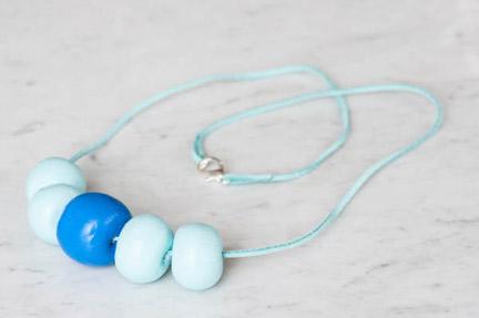 Как сделать ожерелье из крупных бусин