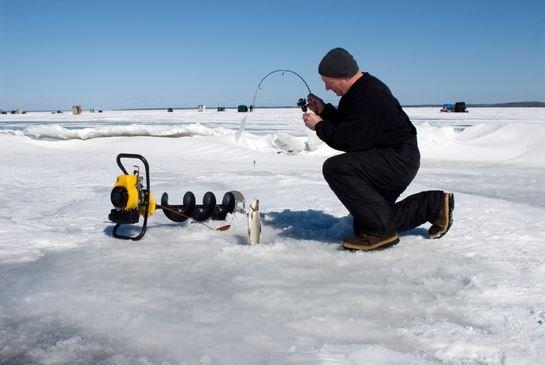 О прелестях и особенностях зимней рыбалки.
