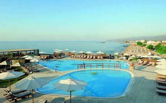 Мальта объявила о выплате туристам по 200 евро за три дня