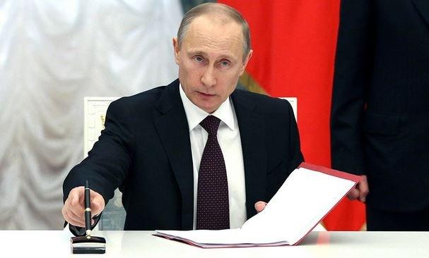 Путин подписал указ о признании документов, выданных в Донбассе.
