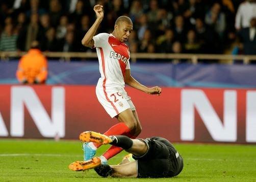 «Манчестер Сити» хочет приобрести Мбаппе у «Монако».