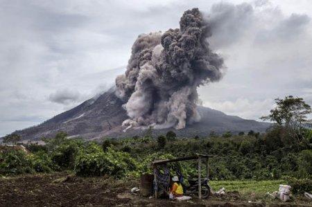 На Бали проснулся вулкан Агунг