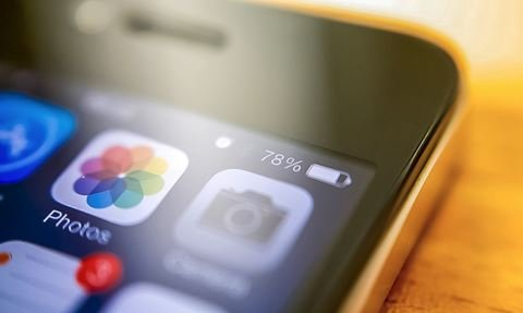 замедление iPhone из-за старой батареи