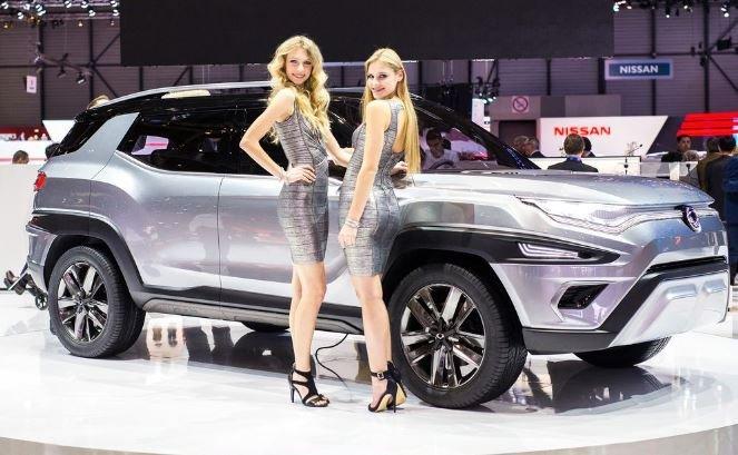 девушки модели автосалон Женева
