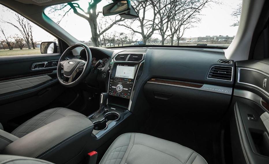 салон Ford Explorer 2018