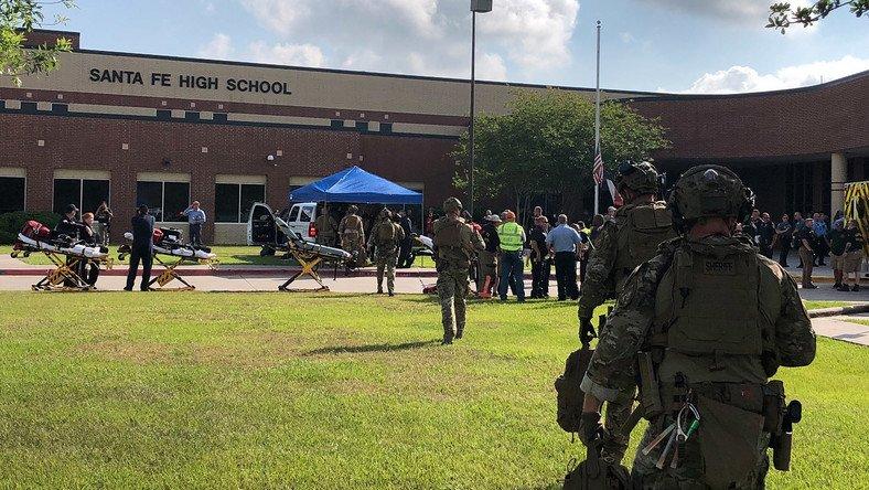США: стрельба в средней школе в Санта-Фе, 10 погибших