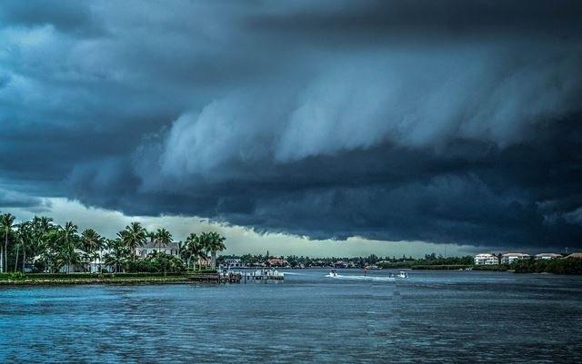 шторм Флоренс США сентябрь 2018