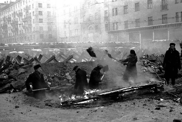 осадное положение в Москве