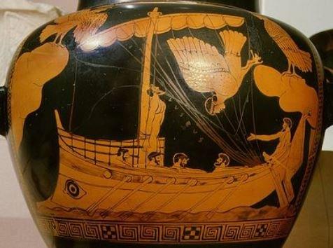 ваза с рисунком корабля