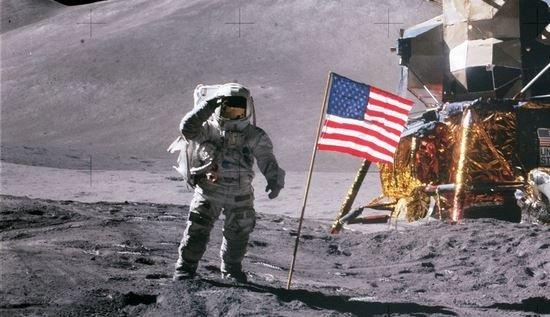 NASA врзвращение на Луну 2026