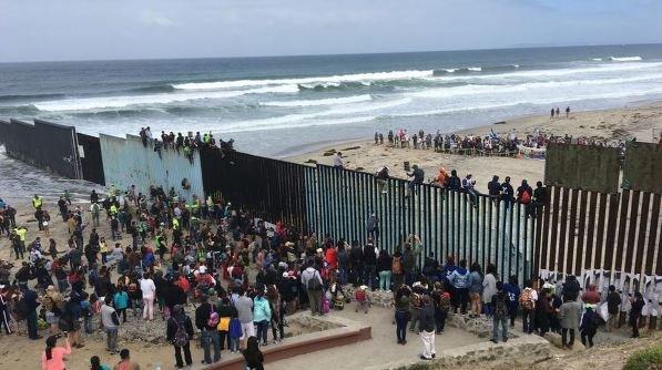 караван мигрантов из Центральной Америки