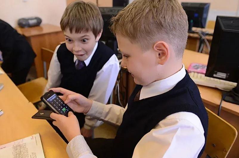 мобильные телефоны в школах