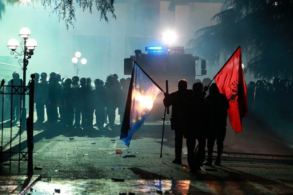 протесты в Абании, Тирана