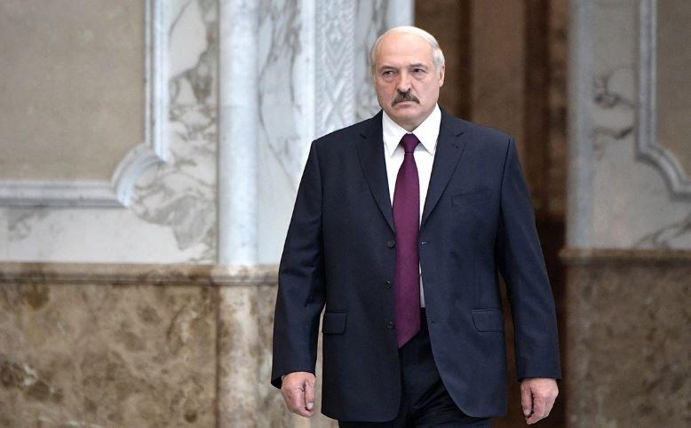 лукашенко, президент беларуси, вручение наград, орденов, генералы, майоры, минск