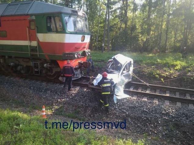 столкновение, авария, поезд, автомобиль, смерть, повреждение