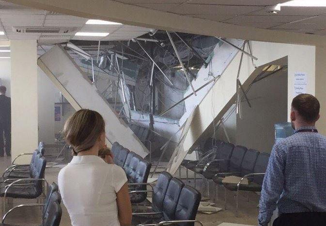 обрушение потолка, тц Галилео, минск, бобруйская, визовый центр литвы