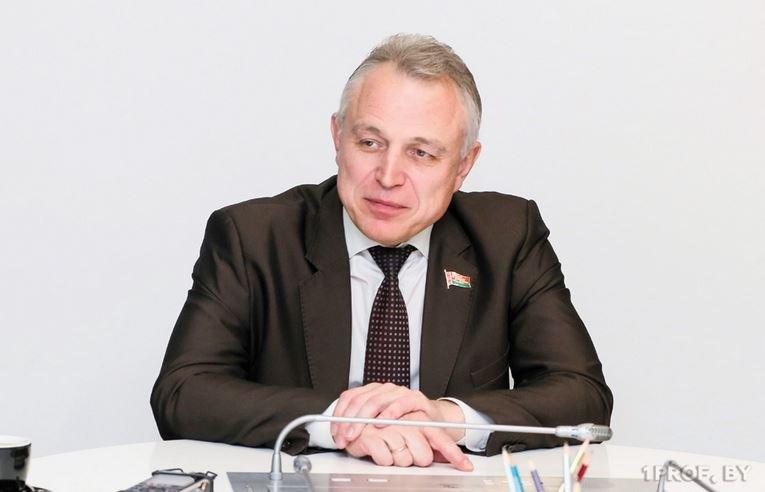 Глава ФПБ высказался о равных пенсиях и сокращении декрета в Беларуси