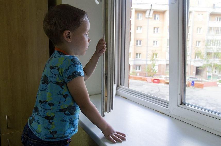 ребенок, мальчик, падение из окна, ребенок, травмы, родители, витебск