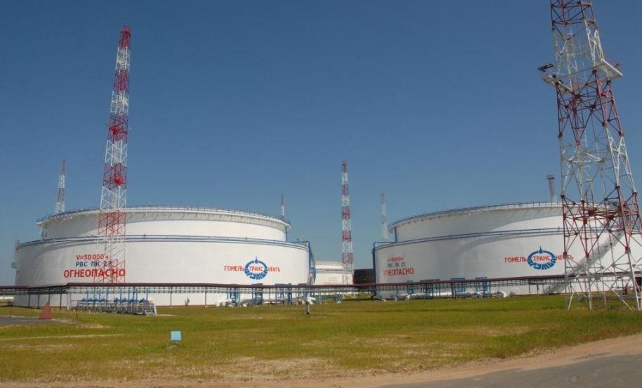 Лукашенко готов увеличить поставки нефтепродуктов на Украину