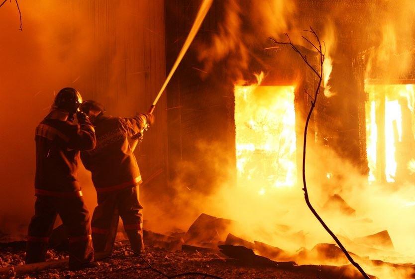 пожар, полоцк, михайловская улица, спасатели, мчс, огонь, ожоги, жертвы