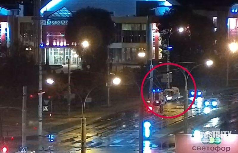 Машина «Скорой помощи» загорелась в Бресте во время движения