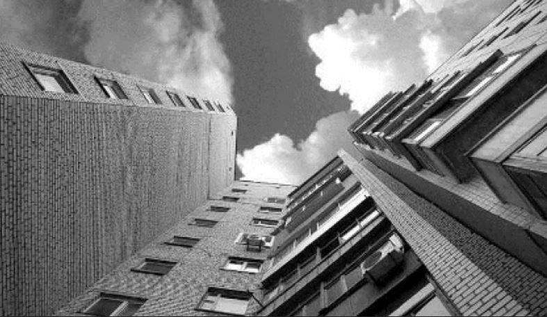 В Гомеле пациент выпал с 8 этажа больницы