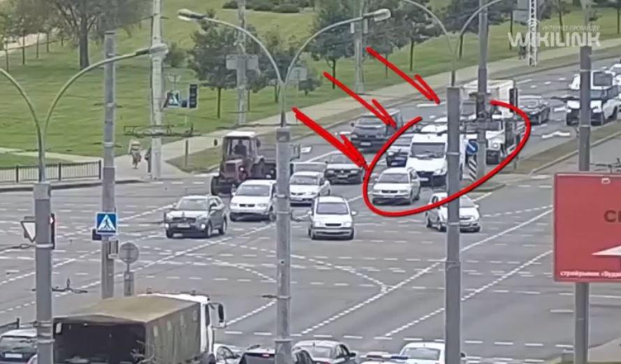 Появилось видео тройного ДТП с машиной скорой в Бресте