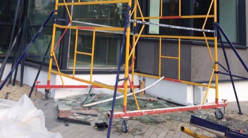 В Бресте четверо рабочих упали с высоты 4 метров