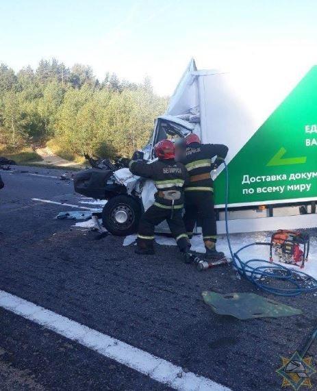 В Борисовском районе столкнулись два грузовика