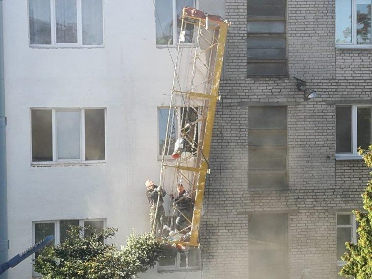 В Минске обвалилась строительная люлька с рабочими