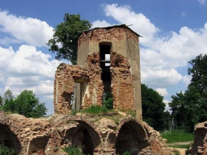 Лукашенко распорядился выделить деньги на реставрацию Гольшанский замок