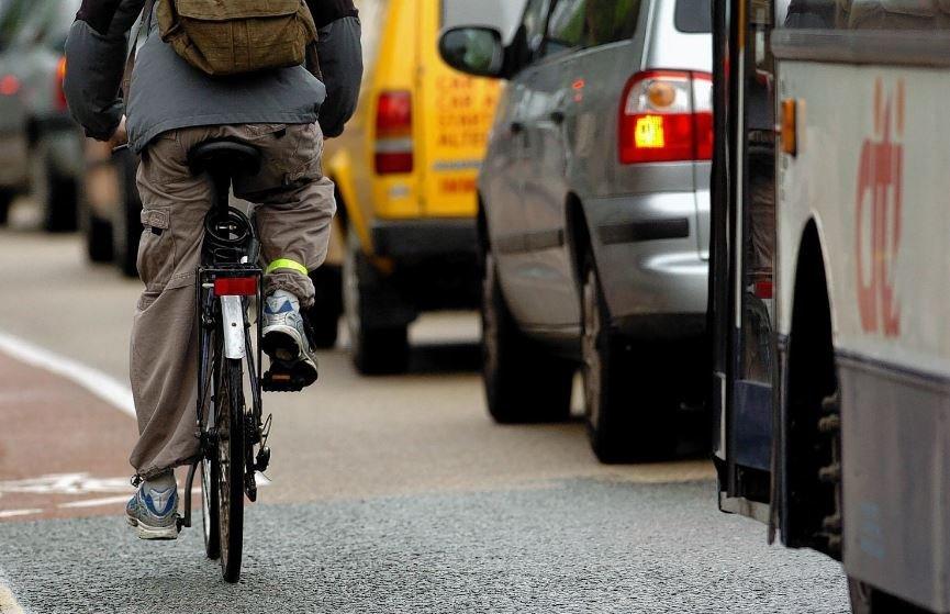 В Мозыре водитель и пассажир автобуса избили велосипедиста