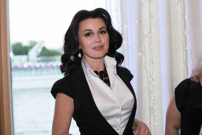 Анастасии Заворотнюк сделали вторую операцию