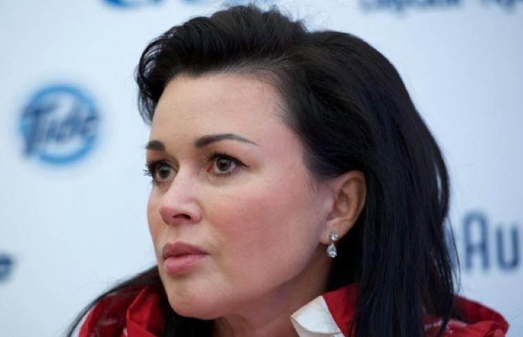 Пациентка клиники заявила о прекращении лечения Заворотнюк