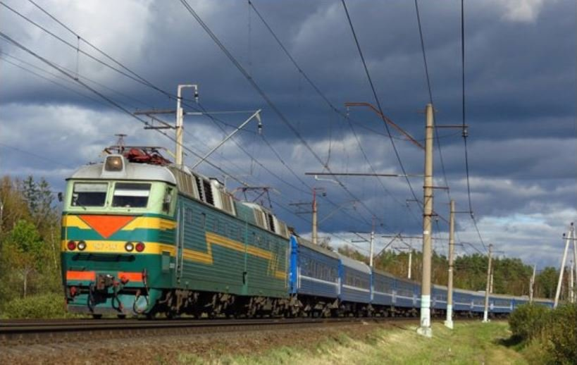 В Жлобинском районе поезд насмерть сбил 18-летнего парня