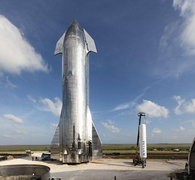 Илон Маск презентовал корабль для межпланетных перелетов