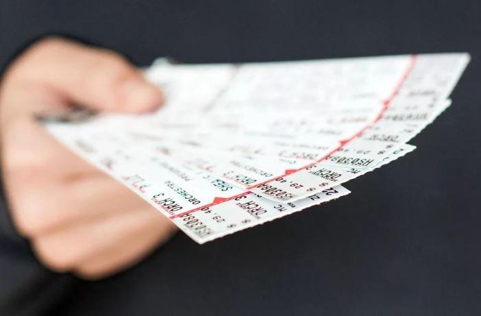 В Барановичах парень продавал фейковые билеты на концерт