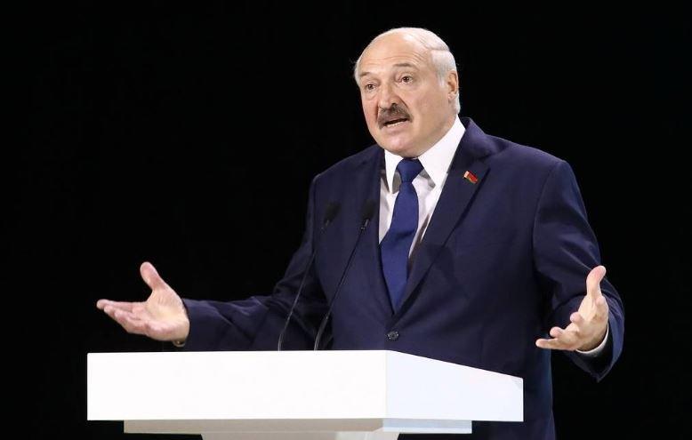 Лукашенко сравнил свое президентство с бегом белки в колесе