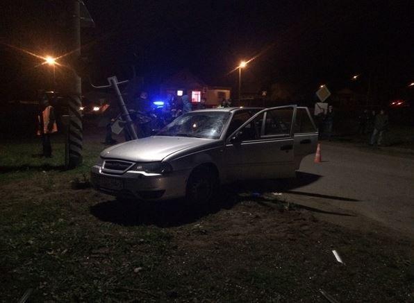 В Полоцке грузовой поезд протаранил легковушку с тремя пассажирами