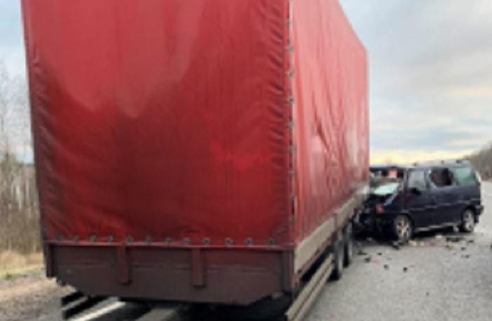Под Смоленском разбился микроавтобус с четырьмя белорусами