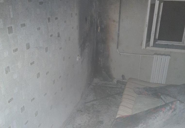 На пожаре в Витебске сосед вынес женщину из горящей квартиры