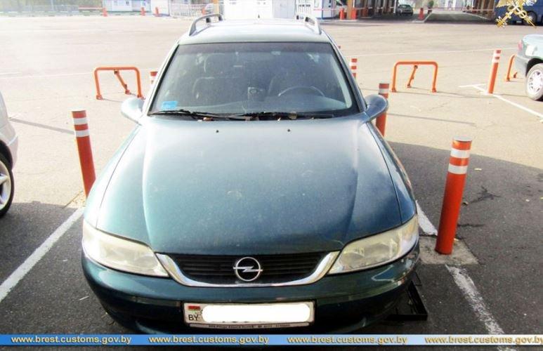 Брестская таможня пресекла ввоз четырех авто с поддельными VIN-кодами