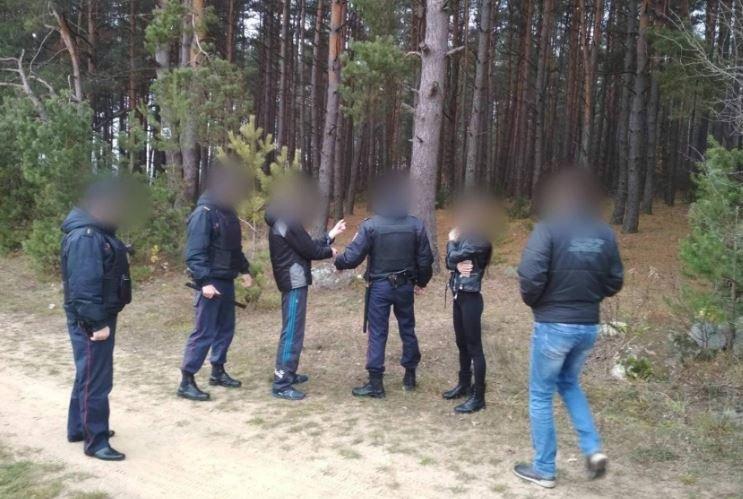 Двум жителям Гродно предъявлено обвинение за привязанного к дереву пенсионера