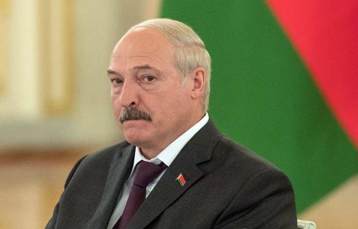 Лукашенко потребовал от банков помочь колхозам