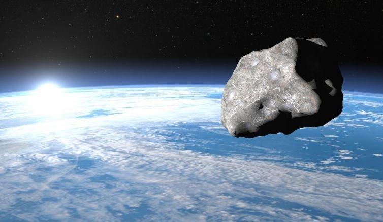 К Земле летит астероид размером с египетскую пирамиду