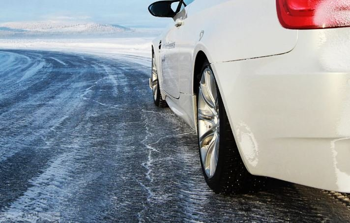 В ГАИ призывают автовладельцев сменить шины в зимние