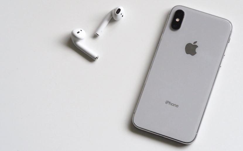 Apple может добавить AirPods к новым iPhone