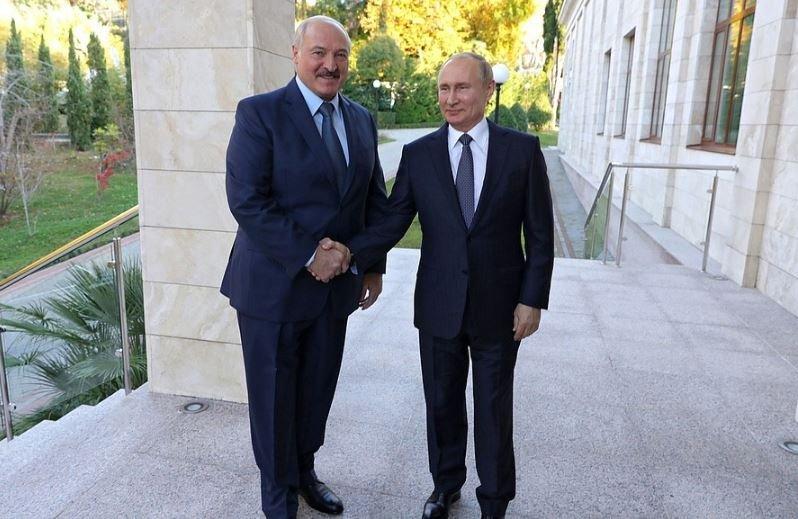 Лукашенко попросил у России равные цены на газ и нефть