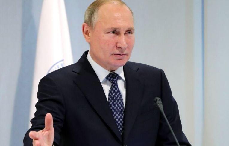 Путин 11 мая обсудит продление нерабочих дней в России